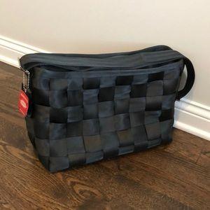 Harvey's Seat Belt Bag